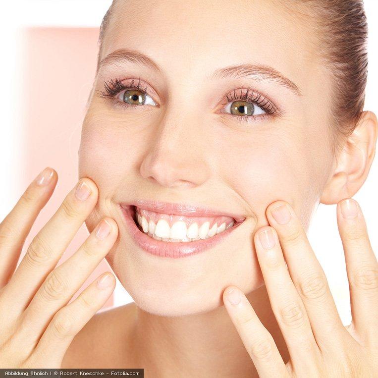 Basisches Feuchtigkeitsserum fuer eine natuerlich geschmeidige Haut