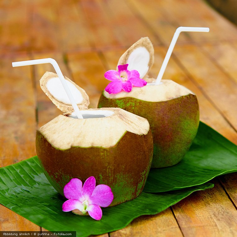 frisches Kokoswasser fuer einen paradiesischen Geschmack
