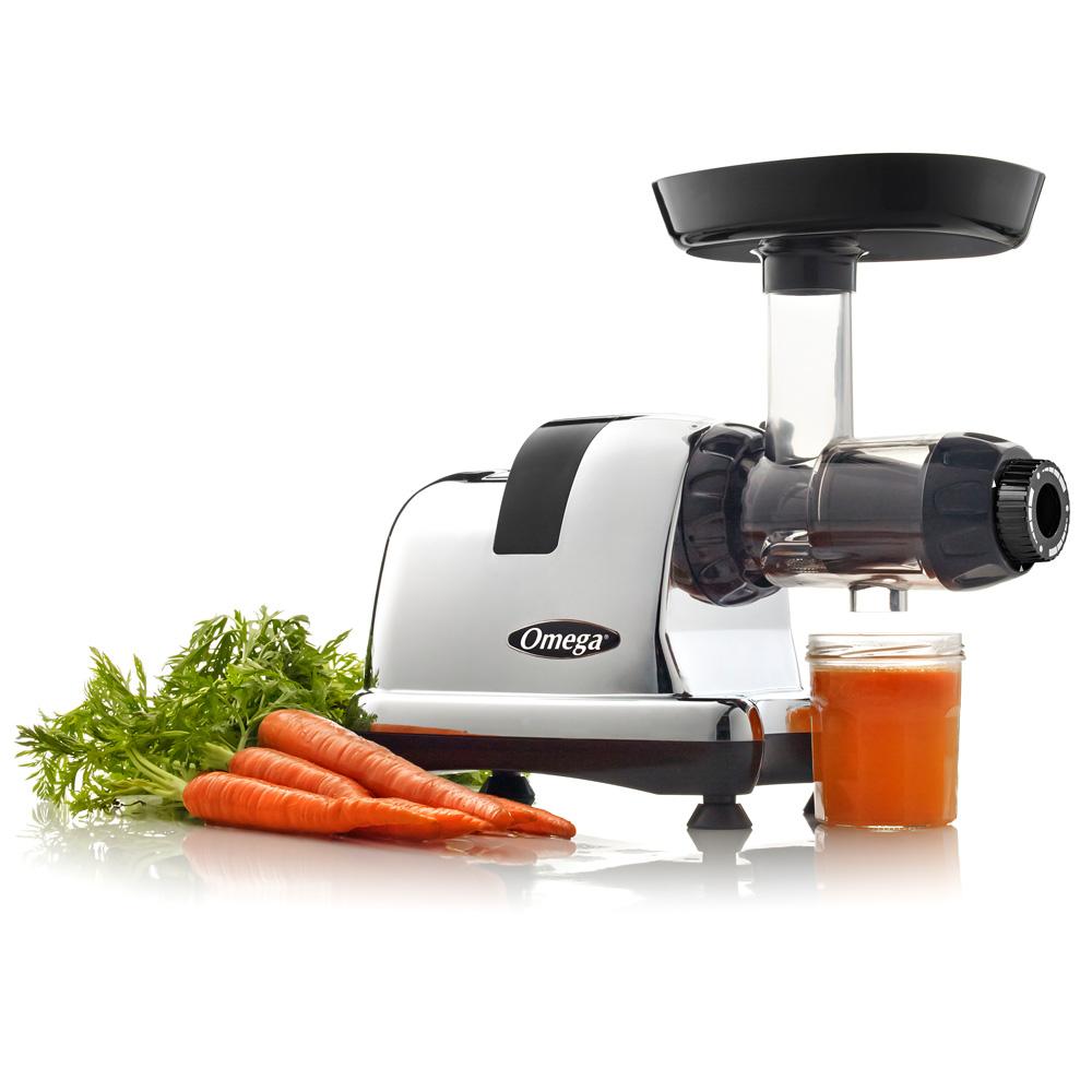 Omega Juicers 8228 mit Karotten