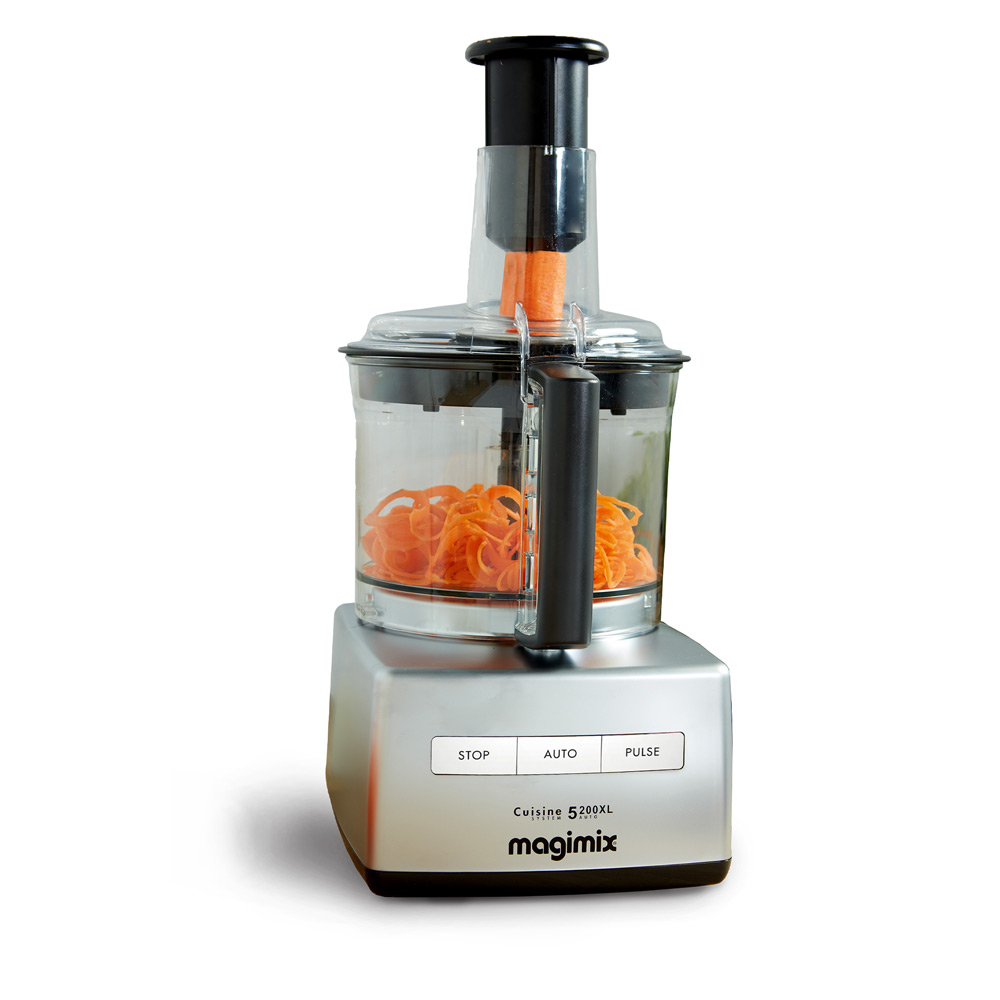 Magimix Cuisine Systeme 5200 XL - am Karotten zerkleinern